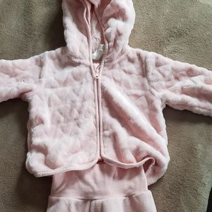 Baby girls soft 2 peice suit.